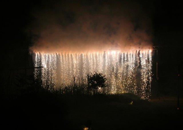 Bodenfeuerwerk - Funkenwasserfall